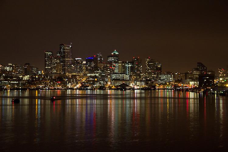 Seattle, skyline, Lake Union, night scene, from Gas works Park, Washington State, Pacific Northwest, USA, North America,