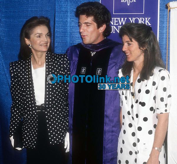 Jackie Onassis, John Kennedy Jr. Caroline Kennedy Schlossberg 1989<br /> Photo By John Barrett/PHOTOlink.net