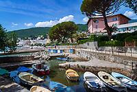 Croatia, Kvarner Gulf, Opatija: small harbour at Lungomare (seaside promenade) Kaiser-Franz-Josef-Promenade | Kroatien, Kvarner Bucht, Opatija: kleiner Bootshafen an der Strandpromenade (Kaiser-Franz-Josef-Promenade)