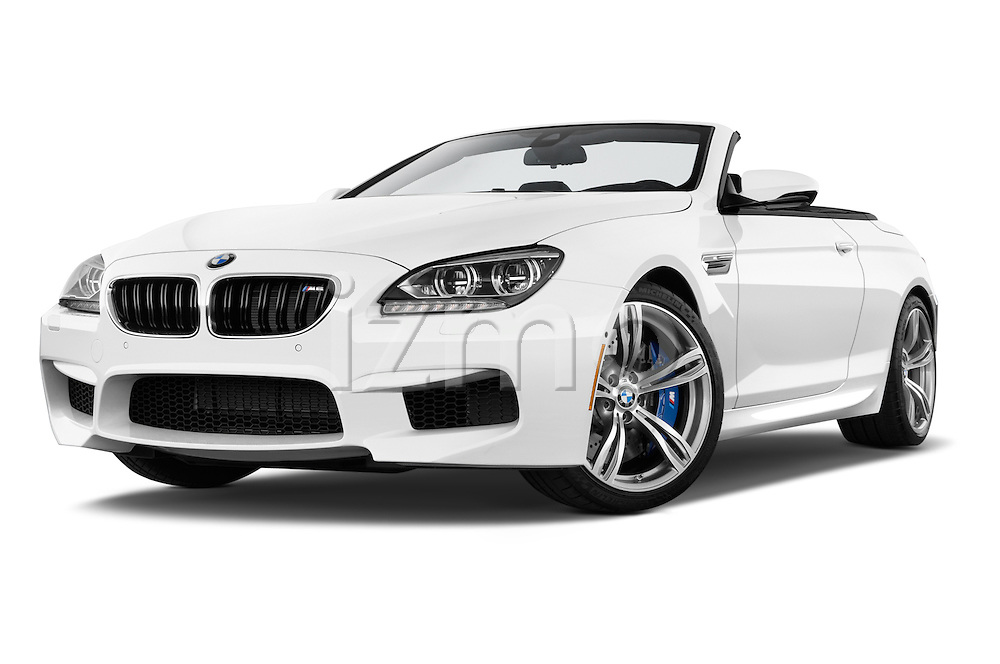 Low aggressive front three quarter view of a 2014 BMW M6 Convertible