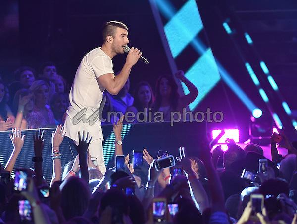 10 June 2015 - Nashville, Tennessee - Sam Hunt. 2015 CMT Music Awards held at Bridgestone Arena. Photo Credit: Laura Farr/AdMedia
