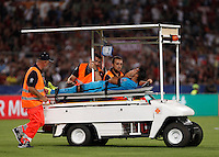 Calcio, Champions League, Gruppo E: Roma vs Barcellona. Roma, stadio Olimpico, 16 settembre 2015.<br /> FC Barcelona&rsquo;s Rafinha is carried out of the pitch after getting injured during a Champions League, Group E football match between Roma and FC Barcelona, at Rome's Olympic stadium, 16 September 2015.<br /> UPDATE IMAGES PRESS/Isabella Bonotto