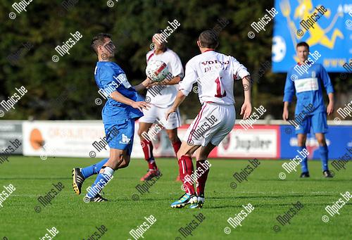 2011-09-25 / Voetbal / seizoen 2011-2012 / KFC Katelijne - Ternat / Yabanci Huseyin (L, Katelijne) in duel..Foto: Mpics