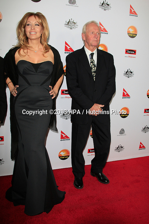 LOS ANGELES - JAN 12:  Linda Kozlowski, Paul Hogan arrives at the 2013 G'Day USA Los Angeles Black Tie Gala at JW Marriott on January 12, 2013 in Los Angeles, CA..
