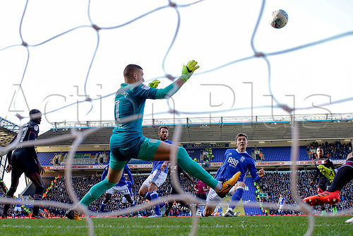 29th October 2017, St. Andrews, Birmingham, England; EFL Championship football, Birmingham City versus Aston Villa; Sam Gallagher of Birmingham City gets a chance with his left foot but shoots it over the bar