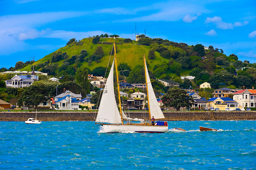 The suburb of Devenport on Auckland Harbor, Auckland, New Zealand