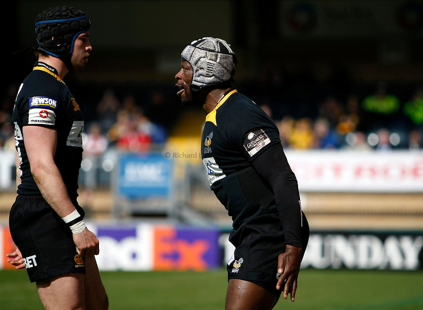 Photo: Richard Lane/Richard Lane Photography. London Wasps v Gloucester Rugby. Amlin Challenge Cup Quarter Final. 11/04/2010. Wasps' Serge Betsen celebrates his try with Danny Cipriani (lt).