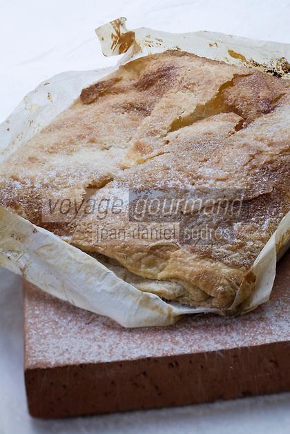 Europe/France/Midi-Pyrénées/81/Tarn/ Semalens: Gâteau traditionnel , le Pumpet de Sémalens réalisé par  M Samblas pâtissier