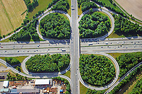 Bundesautobahn Kleeblatt Horster Viereck: EUROPA, DEUTSCHLAND, NIEDERSACHSEN, MASCHEN (EUROPE, GERMANY), 07.06.2015: Bundesautobahn Kleeblatt Horster Viereck