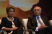 BRASILIA, DF, 07.10.2015 - DILMA-OLIMPICO -  A presidente Dilma Rousseff e o vice-presidente, Michel Temer, durante a cerimônia Ano Olímpico para o Turismo, no  Centro de Convenções Ulysses Guimarães, nessa quarta-feira.(Foto:Ed Ferreira / Brazil Photo Press/Folhapress)