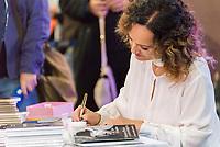 SÃO PAULO, SP, 07.08.2018 - CULTURA-SP -  Faa Moreno autografa livros na 25ª BIENAL Internacional do Livro de São Paulo no Anhembi no bairro de Santana na região Norte de São Paulo na tarde desta terça-feira, 07. (Foto: Anderson Lira / Brazil Photo Press)