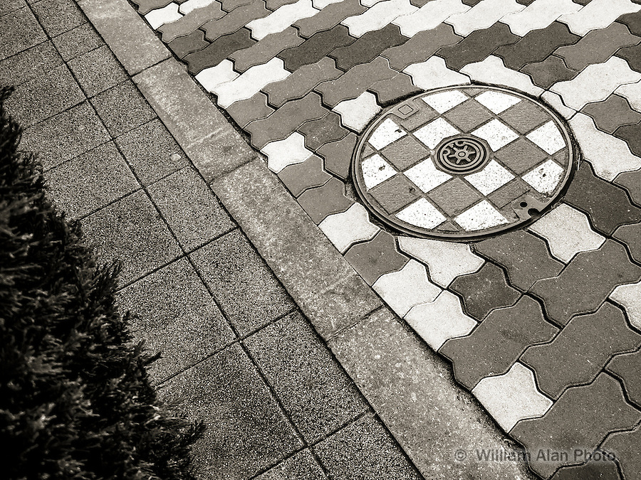 Lines and a Circle in Ota, Japan 2014.