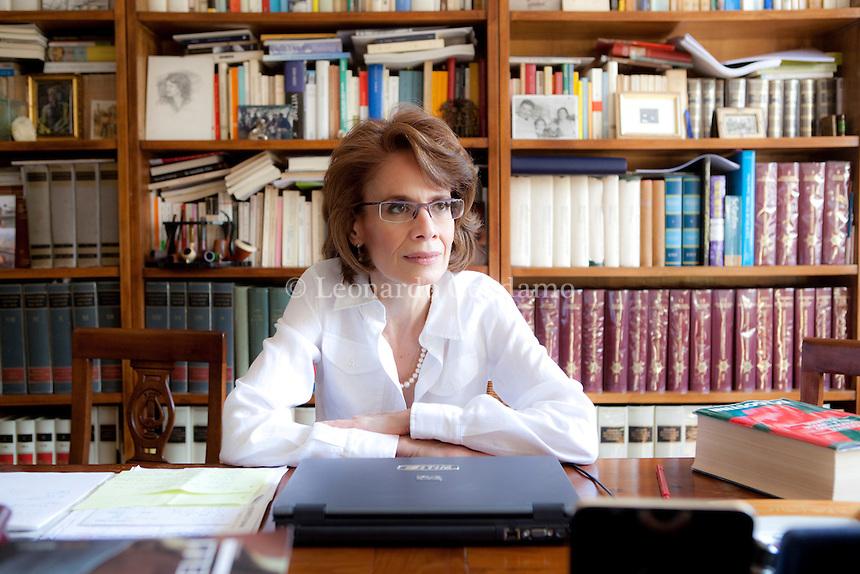 """2010, Milano, Italy, Daniela Dawan, writer, avvocato penalista, pubblica pe l\'editore Marsilio, """" Non dite che col tempo si dimentica """" .  © Leonardo Cendamo"""