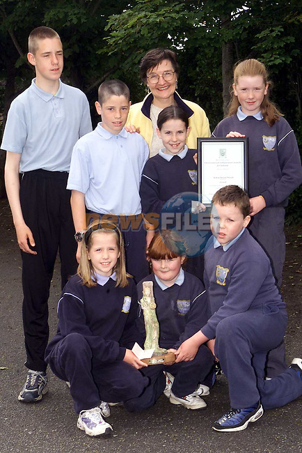 Pupils from Scoil an Spioraid Naoimh, Laytown who recieved the Meath County Council Environmental Achievement award. Pictured with thier teacher Ms. Walsh are Jonathon Courtney, Graeme Boyle, Emma Friel, Shauna Courtney, Ruth Huban, Alicia Woodhead and Mark Mahon..Picture Paul Mohan Newsfile