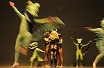 Un alligator deux alligators ohé ohé..conception Jonathan Drillet, Angèle Micaux et Marlène Saldana, images Jérôme Deraté, son Édith Fambuena..avec Jonathan Drillet, Guillaume Marie, Angèle Micaux, Gianfranco Poddighe, Denis Robert, Marlène Saldana, Christian Ubl, Jean-Philippe Valour et à l'écran Dick Rivers, Dominique Pinto (violoncelle), Guillaume Soulan (guitare).. Lieu : Theatre de la Ville..Cadre : Danse Elargie..Ville : Paris..Le : 26 06 2010..© Laurent PAILLIER / www.photosdedanse.com ..All Rights reserved