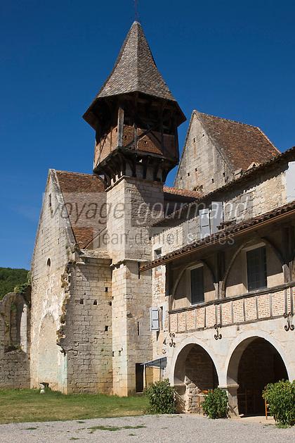 Europe/France/Midi-Pyrénées/46/Lot/Espagnac-Sainte-Eulalie: l'église Notre-Dame-de-Val-Paradis- le clocher et les vestiges du cloître