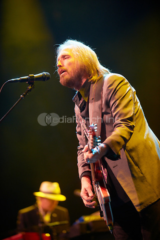 MINNEAPOLIS, MN JUNE 29: Tom Petty & the Heartbreakers perform at Target Center on June 29, 2013 in Minneapolis, Minnesota. Credit: Tony Nelson/Mediapunch Inc.