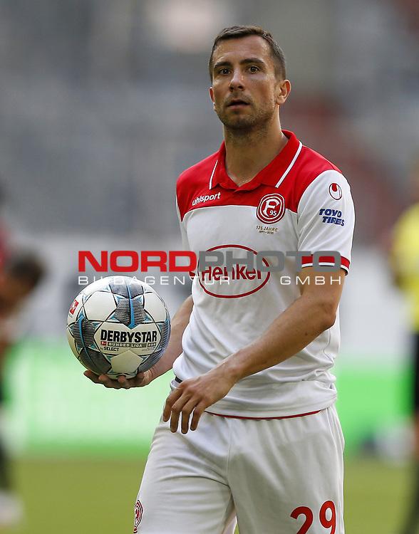 Markus Suttner (F95)<br /><br />20.06.2020, Fussball, 1. Bundesliga, Saison 2019 / 2020<br />33.Spieltag, Fortuna Duesseldorf : FC Augsburg<br /><br />Foto : NORBERT SCHMIDT/POOL/ via Meuter/nordphoto<br /><br />Nur für journalistische Zwecke ! Only for editorial use .