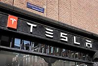 Nederland - Amsterdam - 2018.  Tesla in Amsterdam-Zuid.   Foto Berlinda van Dam / Hollandse Hoogte.