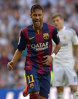 MADRID - ESPAÑA - 25-10-2014: Neymar Jr. jugador de Barcelona, celebra el gol anotado al Real Madrid durante partido de la Liga de España, Real Madrid y Barcelona en el estadio Santiago Bernabeu de la ciudad de Madrid, España. / Neymar Jr. player of Barcelona, celebrates a scored goal to Real Madrid, during a match between Real Madrid and Barcelona for the Liga of Spain in the Santiago Bernabeu stadium in Madrid, Spain Photo: Asnerp / Patricio Realpe / VizzorImage.
