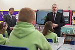 First Minister Carwyn Jones  talks to pupils during a visit to Stebonheath Primary School in Llanelli alongside Bob Ayling &ndash; Chairman Welsh Water.<br /> 08.01.15<br /> &copy;Steve Pope -FOTOWALES