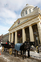 Free horse ride, starting at the Bonsecour Market on Saint-Pault street in Old-Montreal.<br /> <br /> Depart au Marche Bonsecour sur la rue Saint-Paul d'unTour de caleche gratuit,dans le Vieux-montreal<br /> <br /> photo : (c)  Images Distribution