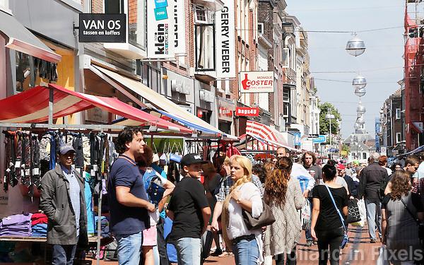 Nederland Leiden  2016  06 24 . De Haarlemmerstraat. Winkelstraat in Leiden. Foto Berlinda van Dam / Hollandse  Hoogte