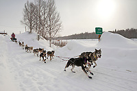 Linwood Fiedler on the trail shortly after leaving Takotna during Iditarod 2009