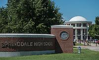 NWA Democrat-Gazette/ANTHONY REYES • @NWATONYR<br /> Students crossing the courtyard Wednesday, Sept. 2, 2015 at Springdale High School.