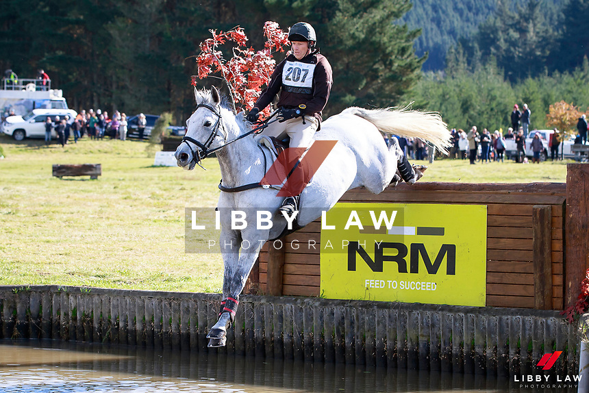 Matthew Grayling rides NRM Trudeau into fourth position during the Bates NZ CCI2* Championship Cross Country at the 2017 NZL-NRM National Three Day Event Championships. National Equestrian Center, Taupo. Saturday 13 May. Copyright Photo: Libby Law Photography