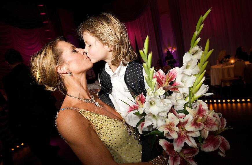 Oslo, 20091010. Skal vi danse. Ellen Arnstad og sønnen Alexander (7).
