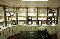 Interno di un negozio dell'Officina Profumo Farmaceutica di Santa Maria Novella a Venezia.<br /> Interior of a shop of the Officina Profumo Farmaceutica di Santa Maria Novella chic medieval pharmacy in Venice.<br /> UPDATE IMAGES PRESS/Riccardo De Luca
