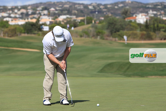 George Coetzee (RSA) putts on the 7th green during Thursday's Round 1 of the Portugal Masters at the Oceanico Victoria Golf Course, Vilamoura, Portugal 10th October 2012 (Photo Eoin Clarke/www.golffile.ie)