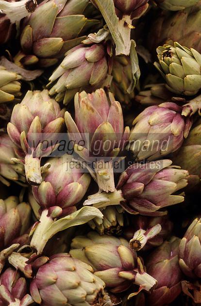 Europe/Espagne/Baléares/Minorque/Mahon : Artichauts violett le marché du cloître