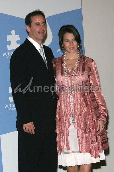 """24 September 2005 - Hollywood, California - Jerry Seinfeld and wife Jessica Seinfeld.  Jerry Seinfeld and Paul Simon Perform """"One Night Only: A Concert for Autism Speaks"""" - Press Conference held at the Kodak Theater.  Photo Credit: Zach Lipp/AdMedia"""