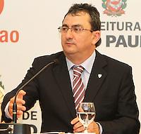 ATENCAO EDITOR: FOTO EMBARGADA PARA VEICULO INTERNACIONAL - SÃO PAULO, SP, 19 SETEMBRO 2012 - Coletiva de imprensa sobre o Grand Slam de Xadrez 2012 na prefeitura de São Paulo capital paulista  nessa quarta, 19. (FOTO: LEVY RIBEIRO / BRAZIL PHOTO PRESS)