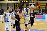 ZWOLLE - Basketbal, Landstede - Donar, Halve finale beker, seizoen 2017-2018, 18-02-2018, Landstede speler Mike Schilder onderschept voor Donar speler Evan Bruinsma