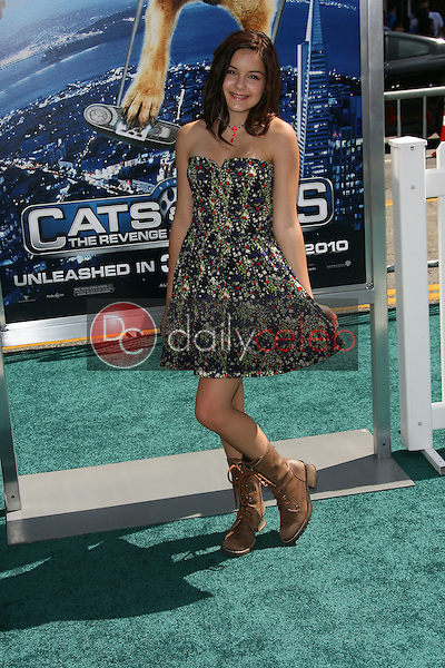 """Ariel Winter<br /> at the """"Cats and Dogs The Revenge Of Kitty Galore"""" World Premiere, Chinese Theater, Hollywood, CA. 07-25-10<br /> David Edwards/DailyCeleb.com 818-249-4998"""