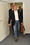 Peter Rettig gefolgt von Frank Briel und den Anwalt Dr. Markus Schuetz (Sch&uuml;tz) beim Rechtsstreit Rettig gegen TSG 1899 Hoffenheim.<br /> <br /> Foto &copy; PIX-Sportfotos *** Foto ist honorarpflichtig! *** Auf Anfrage in hoeherer Qualitaet/Aufloesung. Belegexemplar erbeten. Veroeffentlichung ausschliesslich fuer journalistisch-publizistische Zwecke. For editorial use only.
