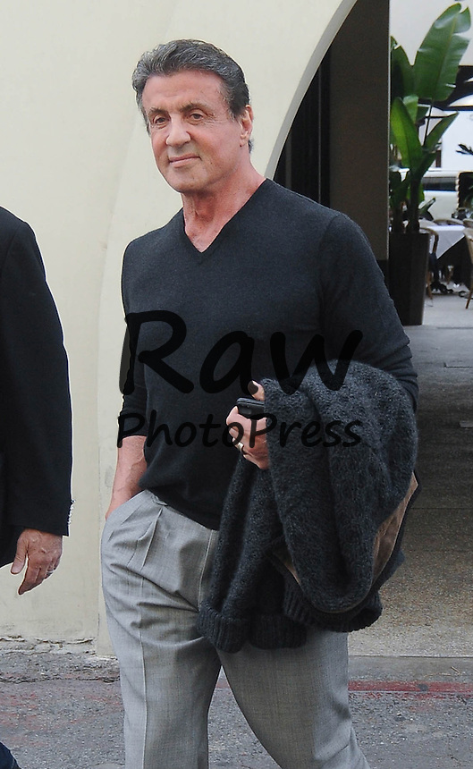 Sylvester Stallone ha salido a comer al Caffe Roma en Beverly Hills.<br /> <br /> Photo &copy;2014: The Grosby Group<br /> <br /> Los Angeles, December 19, 2014<br /> Sylvester Stallone spotted after lunch with friends at Caffe Roma in Beverly Hills, CA.