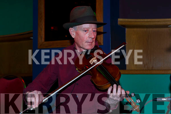 Gerry Harrington Kenmare playing at the Padraig O'Keeffe festival all star concert in the River Island Hotel on Sunday night