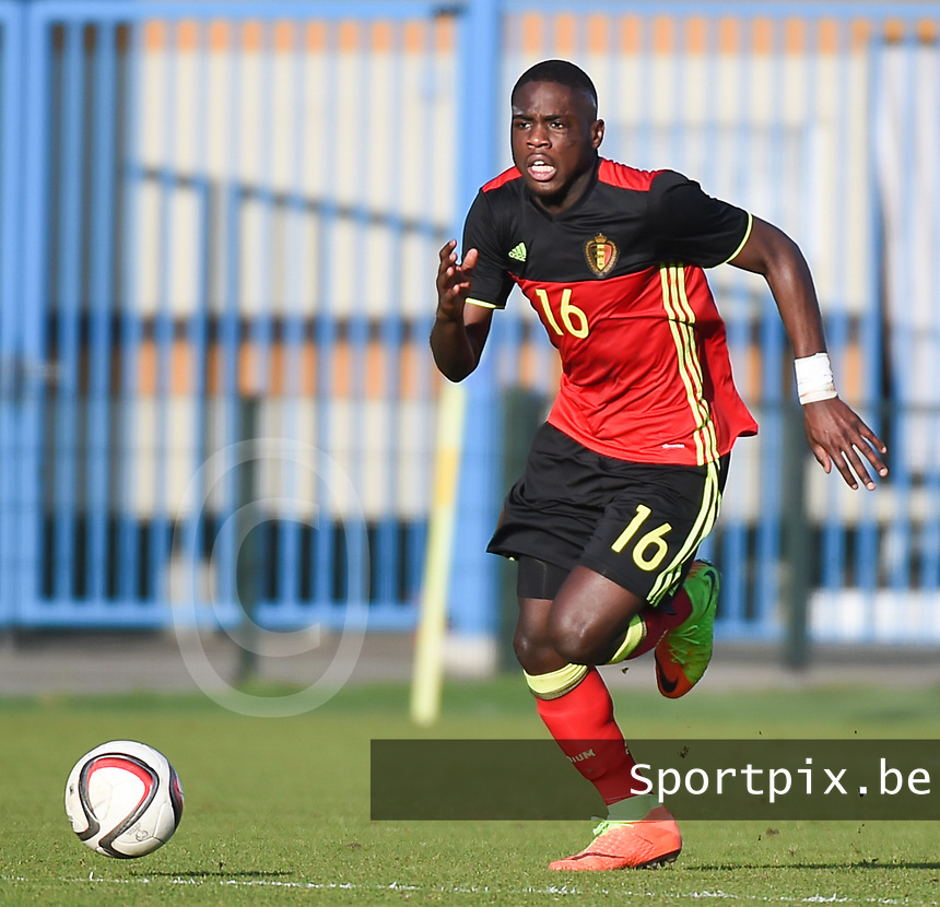 20170323 - BEVEREN , BELGIUM : Belgian  Orel Mangala pictured during the UEFA Under 19 Elite round game between Sweden U19 and Belgium U19, on the first matchday in group 7 of the Uefa Under 19 elite round in Belgium , thursday 23 th March 2017 . PHOTO SPORTPIX.BE | DIRK VUYLSTEKE