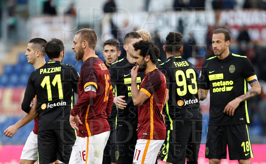 Calcio, Serie A: Roma vs Hellas Verona. Roma, stadio Olimpico, 17 gennaio 2016.<br /> Roma&rsquo;s Daniele De Rossi, left, and Mohamed Salah leave the pitch at the end of the Italian Serie A football match between Roma and Hellas Verona at Rome's Olympic stadium, 17 January 2016. The game ended 1-1.<br /> UPDATE IMAGES PRESS/Isabella Bonotto