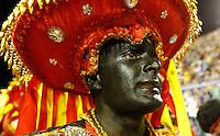 RIO DE JANEIRO, RJ, 20 DE FEVEREIRO 2012 - CARNAVAL 2012 - DESFILE BEIJA FLOR - Desfile da escola de samba Beija Flor no primeiro dia de desfiles das Escolas de Samba do Grupo Especial do Rio de Janeiro, no sambódromo da Marques de Sapucaí, no centro da cidade, neste domingo.  (FOTO: VANESSA CARVALHO - BRAZIL PHOTO PRESS).