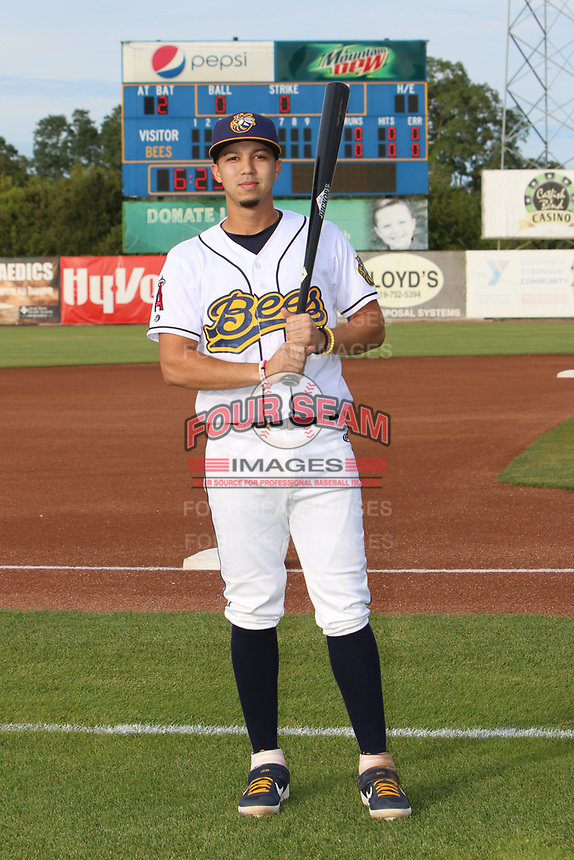 Burlington Bees Livan Soto (7) poses for a photo before a Midwest League game against the Clinton LumberKings on August 30, 2019 at Community Field in Burlington, Iowa.  Clinton defeated Burlington 6-3.  (Travis Berg/Four Seam Images)