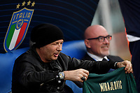 Sinisa Mihajlovic coach of Bologna FC receives as a gift a shirt of italian national team with his name and the number 11 <br /> Roma 11-10-2019 Stadio Olimpico <br /> European Qualifiers Qualifying round <br /> Italy - Greece day -1 training<br /> Photo Andrea Staccioli/Insidefoto