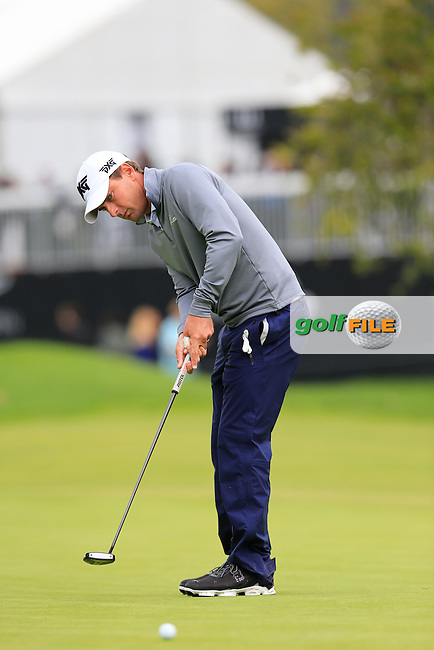 Charles Howell III (USA) putts on the 10th green during Saturday's rain delayed Round 2 of the 2017 Genesis Open held at The Riviera Country Club, Los Angeles, California, USA. 18th February 2017.<br /> Picture: Eoin Clarke | Golffile<br /> <br /> <br /> All photos usage must carry mandatory copyright credit (&copy; Golffile | Eoin Clarke)