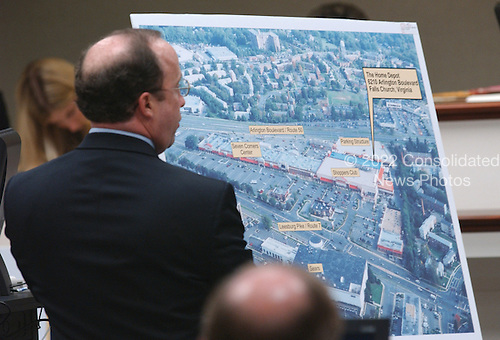 Defense attorney Peter Greenspun uses an aerial photo of the shooting scene of sniper victim Linda Franklin, during testimony in the trial of sniper suspect John Allen Muhammad in courtroom 10 at the Virginia Beach Circuit Court in Virginia Beach, Virginia on October 30, 2003. <br /> Credit: Adrin Snider - Pool via CNP