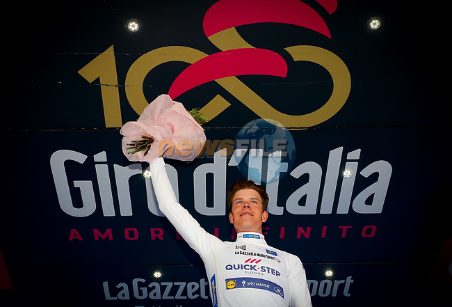 Bob Jungels (LUX) Quick-Step Floors wins Stage 15 of the 100th edition of the Giro d'Italia 2017, running 199km from Valdengo to Bergamo, Italy. 21st May 2017.<br /> Picture: LaPresse/Simone Spada | Cyclefile<br /> <br /> <br /> All photos usage must carry mandatory copyright credit (&copy; Cyclefile | LaPresse/Simone Spada)