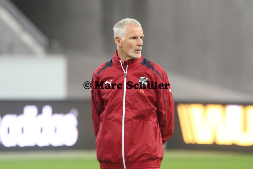Trainer Francis Gillot (Bordeaux) - Training Bordeaux zur Begegnung der Europa League Eintracht Frankfurt vs. Girondins Bordeaux